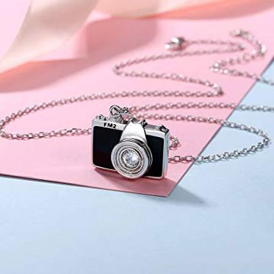 collanina a forma di macchina fotografica, idea regalo per ragazza appassionata di foto