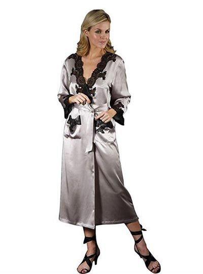 vestaglia in seta come idea regalo per una signora di 70 anni