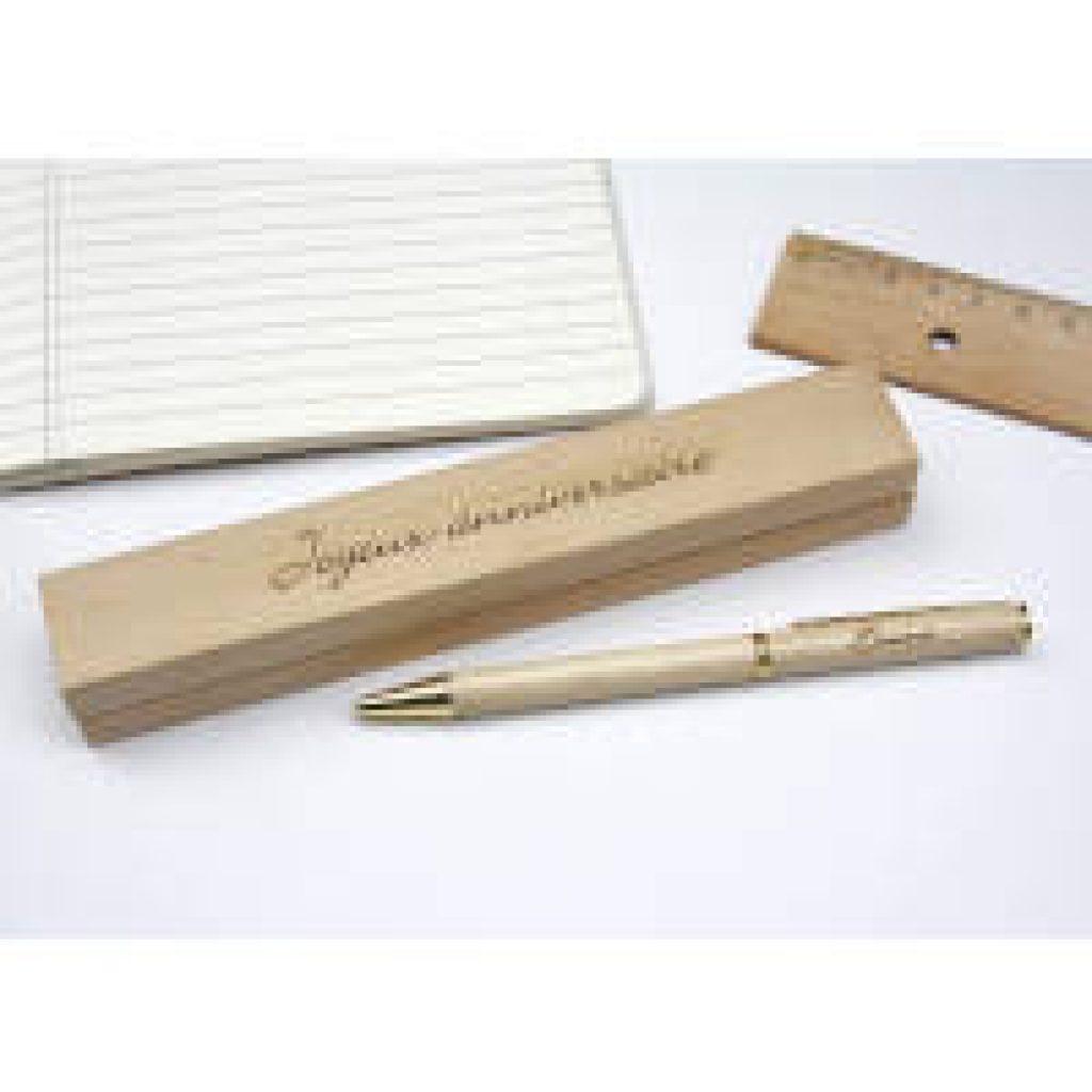 penna personalizzata in legno idea regalo regalimania