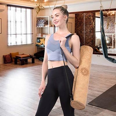 borsa in sughero da regalare a chi ama lo yoga